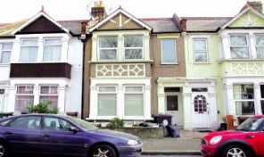 West End Avenue, Leyton, London, E10